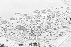 An Expansive Swirling Snow Drawing Atop a Frozen Lake by Sonja Hinrichsen snow land art lakes Colorado Colorado Lakes, Colorado Snow, Snow Artist, Colossal Art, Drawing Projects, Installation Art, Art Installations, Female Art, Les Oeuvres