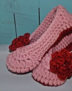 Crochet slippers pink with red rose