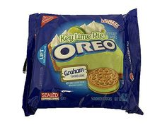 Oreo Unveils Yet Another Magical Flavor: Key Lime Pie! Weird Oreo Flavors, Cookie Flavors, Different Oreo Flavors, Gross Food, Weird Food, Key Lime Pie, Oreos, Graham Cracker Cookies, Junk Food Snacks