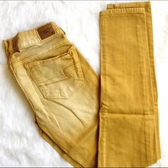 Colored Skinny Denim by American Eagle Excellent used condition, no flaws! Pop of color for the season, skinny and perfect for a more boho look! American Eagle Outfitters Jeans Skinny