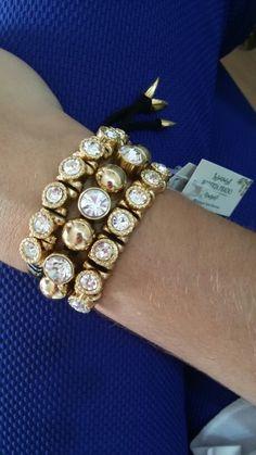 Mix de pulseiras em courinho