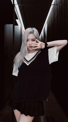 Blackpink Photos, Girl Photos, Blackpink Fashion, Korean Fashion, South Korean Girls, Korean Girl Groups, Foto Rose, Rose And Rosie, Rose Queen