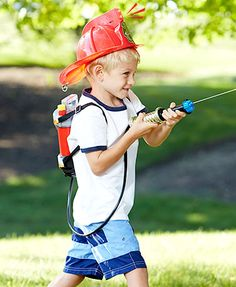 Your little one will love playing the part of a real-life hero with this Firefighter Play Gear.