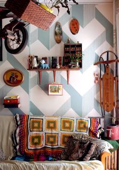 batixa:  (via DIY Project: 3D Cube Painted Wall by Donna Yu | Design*Sponge)
