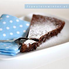 💙 Chocolate Cake 💙 . . Mal ehrlich, kann denn Schokolade Sünde sein??? . . #tarteauchocolat #schokokuchen #schokolade #schokoladekuchen #kuchen #backen #selberbacken #selbermachen #chocolatecake #chocolate #cake #chocolateoverdose #dessertheaven #homemadecake #dessertlover #instadessert #lovedesserts #fraeuleinwinter Desserts, Food, Chocolate Tarts, Cake Baking, Chocolate Pies, Make Your Own, Tailgate Desserts, Deserts, Essen