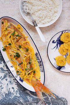 Pescado con Coco, un plato decadente, evocativo de días tranquilos en playas de arenas blancas. Uno de nuestras comidas favoritas.