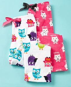 Fill her loungewear drawer with this Girls' 2-Pk. Plush Lounge Pants. Super-soft and warm, each pair features a fun owl or cat pattern.They have an elasti