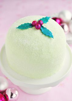 Gorgeous holiday peppermint cake! #camillestyles