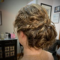 Soft updo for fine medium length hair Formal Hairstyles, Cool Hairstyles, Hair Color Experts, Color Correction Hair, Soft Updo, Best Hair Salon, Wedding With Kids, Hair Studio, Cool Hair Color