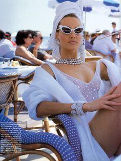 """Piu Che Perfette"", Vogue Italia, July 1991Photographer : Patrick DemarchelierModel : Karen Mulder"