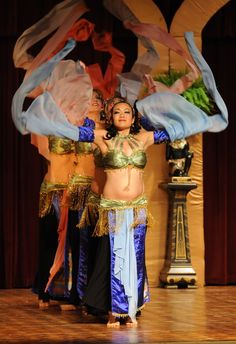 8cbacfd5667 Raks A Diva Photo Gallery - Raks A Diva Belly Dance Company Chinese sleeve