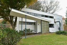 Modernism - Picture Dictionary of Modern Architecture: Bauhaus