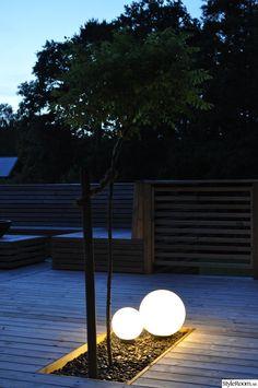 belysning,stenland,dekorsten,klotrobinia,altan,uteplats,trädäck,staket