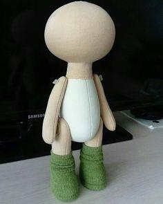 Best 12 Baby Waldorf Doll by Waldorfdollshop – SkillOfKing. Felt Doll Patterns, Doll Clothes Patterns, Sock Dolls, Felt Dolls, Rag Dolls, Crochet Dolls, Accessoires Barbie, Doll Making Tutorials, Pink Doll