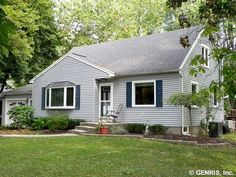 124 Country Ln, Penfield, NY 14526