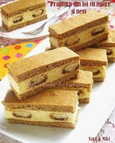 Cake with honey and coffee ~ Culorile din farfurie Romanian Desserts, Romanian Food, Cookie Recipes, Dessert Recipes, Croatian Recipes, Mini Cheesecakes, Homemade Cookies, No Bake Cake, Cupcake Cakes
