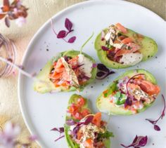 This avocado ritz makes the perfect starter - top it with gold leaf to make it even more glitzy! Ritz Recipe, Feuille D'or, Healthy Snacks, Healthy Recipes, Culinary Arts, Avocado Toast, Gold Leaf, Low Carb, Yummy Food