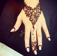 Simple but Attractive Henna Designs for Hand