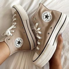 Dr Shoes, Swag Shoes, Hype Shoes, Me Too Shoes, Mode Converse, Converse Shoes, Shoes Sneakers, Converse Trainers, Converse High