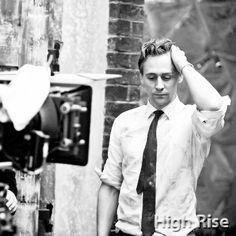 Tom Hiddleston in High-Rise https://twitter.com/thewheatleyclu1/status/782245999054118913