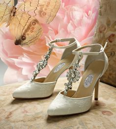 vintage wedding shoes | Diane Hassall Wedding Shoes Daisy Hill Vintage Ivory Silk Bridal Shoes