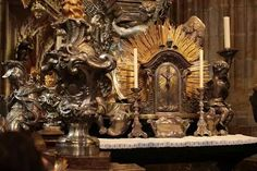 Article on where the tabernacle should properly be placed in the Church. http://www.catholicnewsagency.com/news/why-one-bishop-is-putting-tabernacles-back-in-the-center-of-churches-32754/