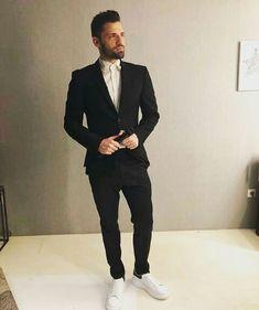 Ξημερωματαααα😍😍😍❤ Singers, Greek, Handsome, Suits, Fashion, Moda, Fashion Styles, Suit, Wedding Suits