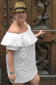 CURVY Girl· Trendy Curvy - Plus Size Fashion Blog Trendy Curvy vestido bardot blanco. Viaje Florencia.. LOOKS CASUALS VIAJERO.#loslooksdemiarmario #escotebardot #lookverano #vestidobardot #vestidoblanco #florencia #zapatos #python #lookotoño #lookcasual #jeans #lookschic #tallagrande #curvy #plussize #curve #fashion #blogger #madrid #bloggercurvy #personalshopper #curvygirl