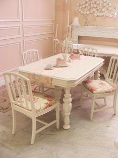 A dreamy little dining room