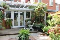 U.K. Back yard Greenhouse Shed, Backyard, Patio, Back Gardens, Sheds, Outdoor Decor, Garden Ideas, Plants, Home Decor