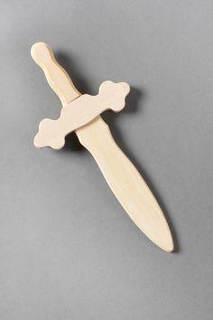 Déguisement pour garçon - chevalier - dague en bois