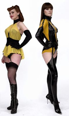 Carla Gugino and Malin Ackerman/Silk Spectre Star Trek Cosplay, Carla Gugino, Seinfeld, Comic Book Characters, Gi Joe, Celebs, Celebrities, Cosplay Girls, Marvel Dc