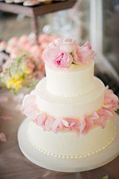 #WeddingCake | #SMP Weddings: http://www.stylemepretty.com/2013/12/04/michigan-backyard-beach-wedding-from-kelly-sweet-photography| Kelly Sweet Photography