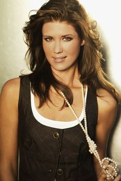 Sarah Lancaster – Photo posted by amomatteo – Sarah Lancaster – Fan club album - Celebrities Chuck Tv Show, Chuck Bartowski, Sarah Lancaster, Gq Awards, Yvonne Strahovski, Female Actresses, Celebs, Celebrities, The Duff
