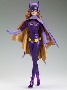 Manufacturer's catalog image of vinyl Batgirl dressed doll, as portrayed by actor Yvonne Craig, released as part of the Batman 1966 range, United States, by Robert Tonner. Batgirl, Batwoman, Barbie And Ken, Barbie Dolls, Diva Dolls, Dolls Dolls, Art Dolls, Dc Comics, Robin