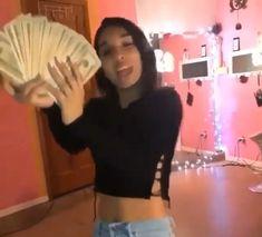 Girl Gang Aesthetic, Badass Aesthetic, Aesthetic Movies, Aesthetic Videos, Aesthetic Grunge, Estilo Gangster, Gangster Girl, Danse Twerk, Flipagram Video