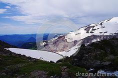 The alpine beauty within Mount Rainer National park.