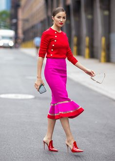 Whole outfit. Those shoes though!, amazing fuchsia pink pencil skirt with ruffle bottom and red trim, fuchsia pink and red outfit on Olivia Culpo Color Blocking Outfits, Colour Blocking Fashion, Moda Instagram, Olivia Culpo, Work Fashion, Fashion Looks, Fashion Outfits, Fashion Trends, Womens Fashion