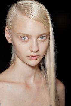 Nastya Kusakina is a Russian fashion model ⭐⭐⭐🌹 Modelo Albino, Blonde Beauty, Hair Beauty, Nastya Kusakina, Pale Makeup, Tribal Hair, Russian Beauty, Russian Fashion, Model Face