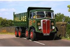 A picture of a vanished Britain when these lorries were kings of the road Dump Trucks, Big Trucks, Classic Trucks, Classic Cars, Bedford Truck, Old Lorries, Old Commercials, Engin, Bus Coach