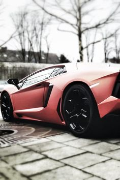 Lamborghini #lamborghini Even the color is an amplifier to the sharp edges