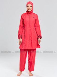 The perfect addition to any Muslimah outfit, shop Tesmay's stylish Muslim fashion Coral - Fully Covered Swimsuits. Find more Fully Covered Swimsuits at Modanisa! Outfit Shop, Muslim Fashion, Swimsuits, Swimwear, Online Purchase, Rain Jacket, Windbreaker, Raincoat, Coral