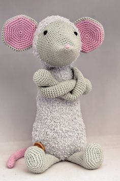 Haakpatroon muis Febee #haken #haakpatroon #amigurimi #gehaakt #knuffel #crochet #crocheting #crochetpattern #muis