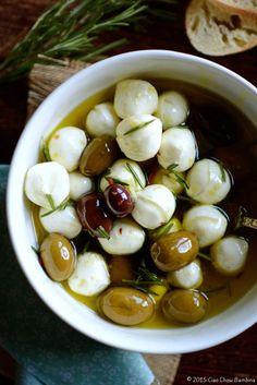 Garlic & Herb Marinated Mozzarella with Kalamata Olives CiaoChowBambina.com #DairyMOOnth