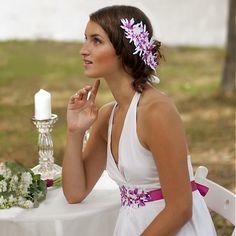 Ozdoba do vlasů Summer Bride, bílá s růžovou / Samodiva - SAShE. Bridal Hair Accessories, Veronica, Crown, Bride, Summer, Wedding, Design, Fashion, Wedding Bride