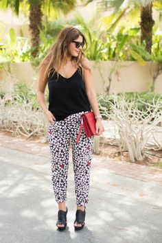 20 Outfits That Will Make You Want To Wear Patterned Pants | StyleCaster