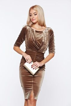 Brown occasional dress from velvet with small beads embellished details Prom Dresses With Sleeves, Modest Dresses, Jean Dress Outfits, Color Combinations For Clothes, Casual Winter Outfits, Chic Dress, Occasion Dresses, Timeless Fashion, Designer Dresses