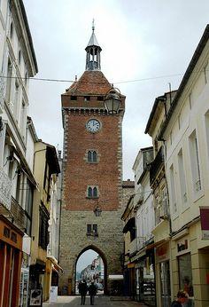 Villeneuve sur Lot porte de Paris ou de monflanquin (XIV°) | Flickr - Photo Sharing!
