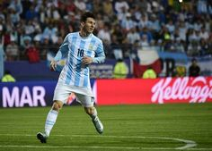 Argentina's forward Lionel Messi runs during their 2015 Copa America football championship match against Jamaica, in Vina del Mar, on June 20, 2015.