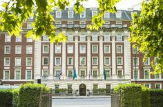 You're looking great deals on London hotels, so compare prices with Rehlat.com! From cheap hotels to luxury hotels.